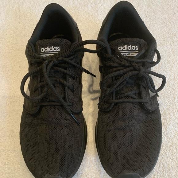 Adidas Women's Cloudfoam Qt Racer Black